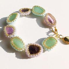 アメジスト原石ブレスレット ビ-ズ細工の通販 by Beads Jewelry|フリル