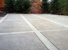 Trendy Ideas For Exposed Aggregate Concrete Patio Design The Effective Pictures We Offer You About patio design A quality picture can tell you many things. You can Read Cement Driveway, Stamped Concrete Driveway, Modern Driveway, Concrete Patio Designs, Driveway Design, Cement Patio, Concrete Driveways, Driveway Landscaping, Modern Landscaping