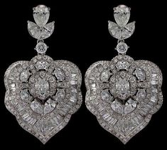 If you want to buy or collect vintage costume jewelry, learn what to look for and where to look. There is something for who is interested in vintage jewelry. Sterling Silver Flowers, Sterling Silver Earrings, Dangle Earrings, Antique Jewelry, Vintage Jewelry, Silver Jewellery, Sterling Jewelers, Tiffany Jewelry, Schmuck Design