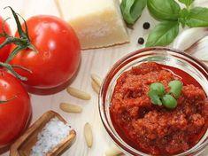 Pesto rosso - Pesto rouge avec thermomix la délicieuse sauce pesto rosso aux tomates séchées pour vos pâtes ou des pâtes ou pain grillé. Sauce Tomate Thermomix, Sauce Pesto, Dip, Vinaigrette, Meatloaf, Mashed Potatoes, Healthy Recipes, Healthy Food, Salsa