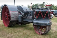 http://www.nationalthreshers.com/images/2012%20reunion/N12_0246.jpg  a Rare Model