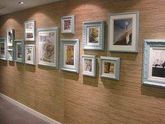 Composição de quadros na parede | Um Brinco