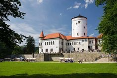 Budatínsky hrad Big Country, Church Building, Chateaus, Central Europe, Bratislava, Amazing Pictures, Czech Republic, Hungary, Poland