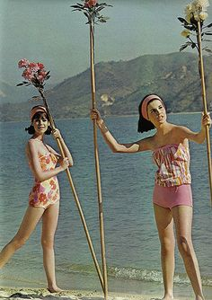 I just prefer the seashores in the summer Hawaii Style, Blue Hawaii, Hawaii Beach, 60s And 70s Fashion, Retro Fashion, Vintage Fashion, Teen Fashion, Vintage Beach Party, Colleen Corby