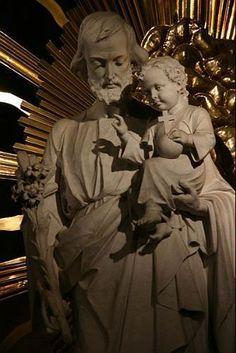 St Joseph, Jesus Mary And Joseph, Catholic Art, Roman Catholic, Jesus E Maria, Christian Pictures, Holy Family, Blessed Mother, Christian Life