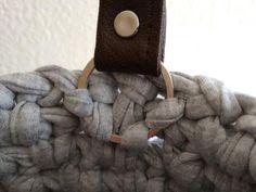 A pohľad zvnútra kabelky Merino Wool Blanket, Knitting, Crochet, Tricot, Breien, Crochet Crop Top, Weaving, Stricken, Crocheting