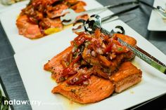 Grilled local salmon with a fresh tomato & basil vinaigrette | Ravishing Radish Catering | Nataworry Photography