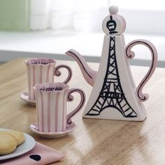 Eiffel Tower Tea Set