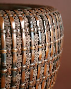 Maeda Chikubosai I Hibachi Brazier , Japanese Bamboo Basket Bamboo Weaving, Weaving Art, Basket Weaving, Hand Weaving, Bamboo Art, Bamboo Crafts, Japanese Bamboo, Japanese Art, Bamboo Basket