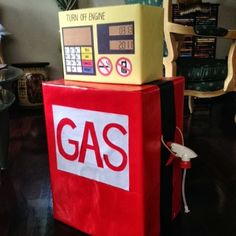 DIY GAS STATION PUMP CARDBOARD