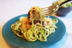 Chicken Alfredo Zoodles - leave out the sun dried tomatoes & pine nuts to make AIP :)