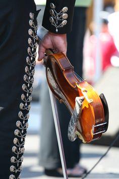 El Violin.