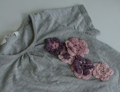 Old t-shirt update with crocheted flowers