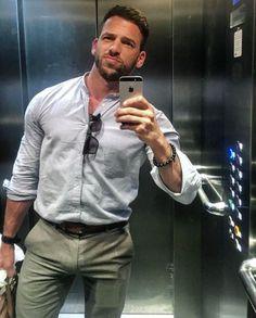 Pics of Men Hunks Men, Hot Hunks, Fashion Moda, Mens Fashion, Stylish Men, Men Casual, Man 2 Man, Herren Outfit, Hommes Sexy