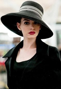 Anne Hathaway-chic in armani #hat #fashion #style