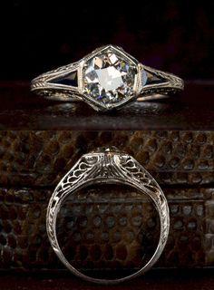 Idée et inspiration Bague Diamant : Art Deco Hexagonal Filigree Engagement Ring, Old European Cut Diamond (in the online shop) Anel Art Deco, Art Deco Schmuck, Bijoux Art Deco, Art Deco Ring, Art Deco Jewelry, Diy Jewelry, Jewelry Rings, Wedding Rings Vintage, Vintage Rings