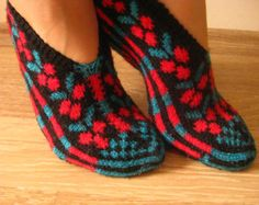 black-red slippers, women slippers,winter fashion,Hand Knit Turkish Socks Slippers