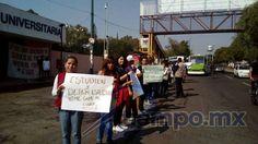 De manera pacífica, unas 50 personas se manifestaron la mañana de este lunes para demandar el cese de la toma ilegal de Ciudad Universitaria por parte de la CUL, el ...