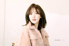 Photo Recreation, Wendy Red Velvet, Seulgi, Yoona, Latest Pics, Blue Orange, Korean Girl, Cool Girl, Fur Coat