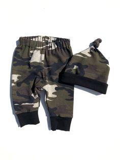 Neugeborene Baby Boy Kleidung Neu in der Crew 3pcs Outfits Strampler Hut Herbst Winter Camouflage Pants Sets
