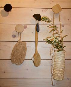 Renovation d'une salle de bain. Decoration, Straw Bag, Decor, Decorations, Decorating, Dekoration, Ornament