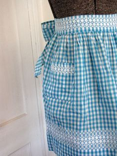 Half Apron Chicken Scratch Gingham Vintage.