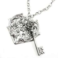 Gothic Lolita Jewelry - Victorian Heart Lock and Key Necklace by Ghostlove - Photo