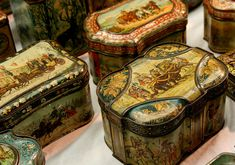 Antique biscuit tins | by Kotomi_