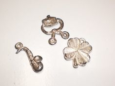 Silver Metallic Gumball Prizes Cracker Jack Charms True 40s 50s Saxaphone, Ice Tongs, Four 4 Leaf Clover Vintage lot