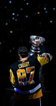 Crosby and the cup Hockey Girls, Hockey Mom, Field Hockey, Hockey Teams, Hockey Stuff, Sports Teams, Hockey Sayings, Rangers Hockey, Pittsburgh Penguins Wallpaper