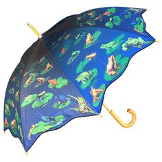 Clifton Artbrellas Long Walking Frog. Classic wooden handle and tips. Manual Open. Lightweight construction and beautifully printed canopy.