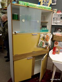 In fab vintage condition, this Mid-Century kitchen unit is in a rich mustard and woodgrain formica. The sliding doors are frosted and clear striped. If not for the kitchen then would also be a fab laptop desk/bureau. Kitchen Larder Units, Sliding Doors, Kitchens, Mid Century, The Unit, Contemporary, Home, Sliding Gate, Kitchen