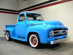 Is this a incredible color combo or what. This truck just looks like fun to drive and own.