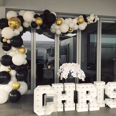 Black Gold Party Black and White set up looks amazing with the gold highlights! Hope you had a fabulous birthday Chris! Balloon Arch, Balloon Garland, Balloon Decorations, Birthday Decorations, Black Gold Party, Black White Gold, Black Tie, Gold Confetti Balloons, Pink Balloons