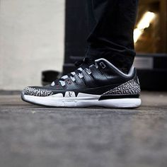 Download Sole Exchange to buy and sell sneakers! iOS > http://ift.tt/1LLh41r Android > http://ift.tt/1VR2Vqx