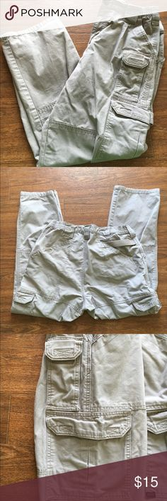 511 tactical pants Lightly used tactical cargo pants. Only signs from being worn are at the bottom of the pants. Size 32, length size is 30. 5.11 Tactical Pants Cargo