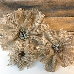 Handmade burlap flowers that are easy and affordableYou can find Handmade flowers and more on our website.Handmade burlap flowers that are easy and affordable Twine Flowers, Cloth Flowers, Diy Flowers, Fabric Flowers, Burlap Projects, Burlap Crafts, Fabric Crafts, Burlap Ornaments, Christmas Ornament Crafts