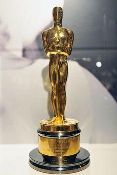 """Elizabeth Taylor's Oscar for """"Butterfield 8"""" (1960)"""