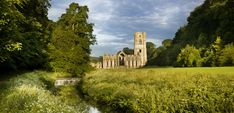 Fountains Abbey and Studley Royal Water Garden, North Yorkshire, England. Autumn Walks, Picnic Spot, British Countryside, Royal Garden, North Yorkshire, Yorkshire England, Yorkshire Dales, France, Castles