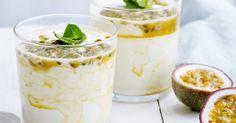 Yoghurtmousse met passievruchten Avocado Mousse, Panna Cotta, Pudding, Chocolate, Ethnic Recipes, Desserts, Food, Passion, Fruit Yogurt