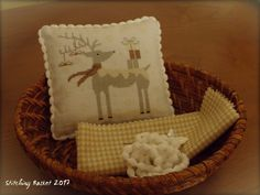 White Christmas ~ Stitching Basket ~ Design by New York Dreamer – White Christmas (JCS Magazine Special Christmas Issue 2015)