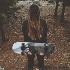 Nada mais lindo que uma menina e seu Skate <3