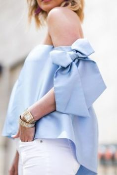 Simple Summer to Spring Outfits to Try in 2019 – Prettyinso Fashion Mode, Fashion Blogger Style, Fashion Outfits, Womens Fashion, Retro Fashion, Spring Summer Fashion, Spring Outfits, Bow Tops, Trendy Tops