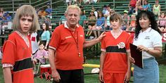 Jonathan Brandis, Rodney Dangerfield, and Jackée Harry in Ladybugs Classic football movie. 90s Movies, I Movie, Movies Showing, Movies And Tv Shows, Football Movies, Ladybugs Movie, Boys Food, Dads, Girls Soccer