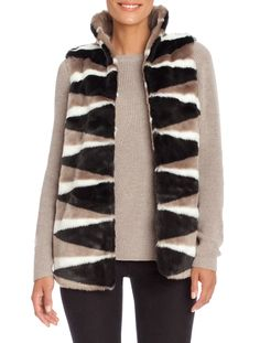 HOLIDAY GIFT GUIDE FOR THE STYLISH WOMAN - Nic+Zoe's Faux Fur Vest