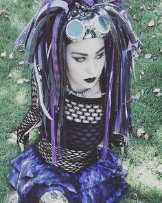 Gothic Vampire, Vampire Girls, Viria, Gothic Art, Gothic Girls, Butterfly Wing Tattoo, Industrial Dance, Goth Make Up, Goth Rave