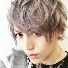 A9 (Alice Nine)   Shou with his new hair color. He's so pretty today ♥ (27.09.2015 via Instagram)
