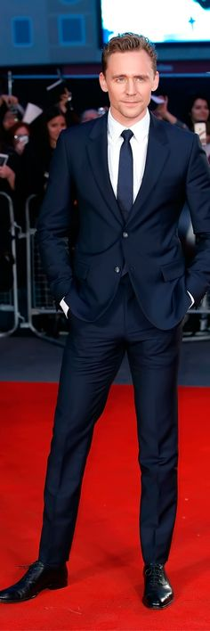 Tom Hiddleston attends a gala screening of 'High-Rise' during the BFI London Film Festival at Odeon Leicester Square on October 9, 2015 in London. Full size image: http://ww2.sinaimg.cn/large/6e14d388gw1ewveu3icrmj21kw2mmnjy.jpg Source: Torrilla, Weibo