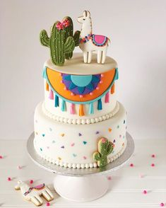 💕🌵Llama Cake🌵💕 This cake was to celebrate Samantha's birthday 💕🌵💕 She chose this incredible and cute theme for her party💕🌵For… 17 Birthday Cake, Teen Girl Birthday, Llama Birthday, Birthday Cakes For Teens, 10th Birthday Parties, Teen Cakes, Girl Cakes, Fiesta Cake, Smash Cake Girl