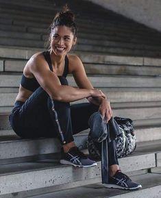 Var-City track pant workout outfit inspo pics fitness photoshoot, workout p Photos Fitness, Fitness Models, Taekwondo, Hastag Instagram, Fitness En Plein Air, Fitness Inspiration, Theme Sport, Foto Sport, Outdoor Training